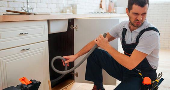 mal olor desagüe de la cocina